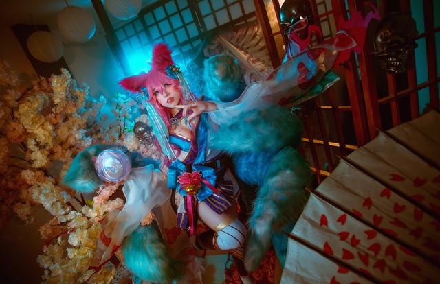 Ngất trên giàn quất với loạt ảnh cosplay Ahri Chiêu Hồn Thiên Hồ do mỹ nhân người Việt hóa thân - Ảnh 8.