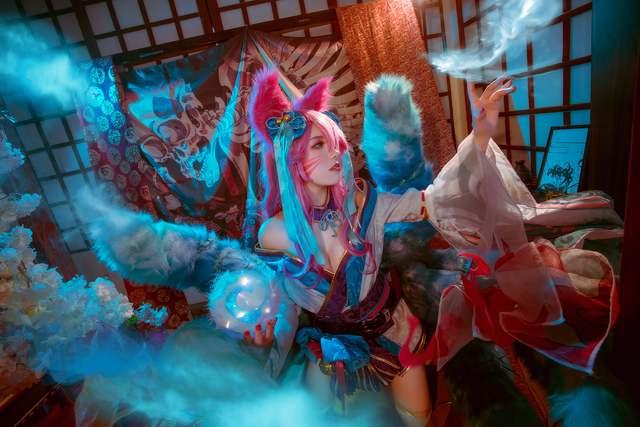 Ngất trên giàn quất với loạt ảnh cosplay Ahri Chiêu Hồn Thiên Hồ do mỹ nhân người Việt hóa thân - Ảnh 11.