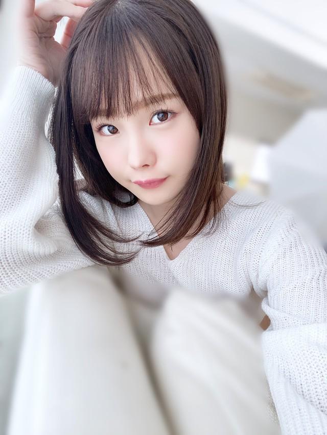 18 tháng cho ra lò 400 phim mới, nàng hot girl trẻ bứt tốp ngoạn mục, vượt mặt hai đàn chị Yua Mikami và Eimi Fukada - Ảnh 2.