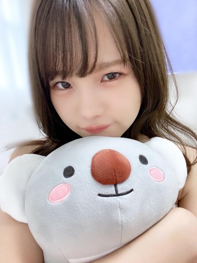 18 tháng cho ra lò 400 phim mới, nàng hot girl trẻ bứt tốp ngoạn mục, vượt mặt hai đàn chị Yua Mikami và Eimi Fukada - Ảnh 3.