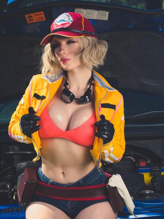 Cô nàng thợ máy của Final Fantasy XV bước ra đời thật siêu quyến rũ với tâm hồn ná thở - Ảnh 8.