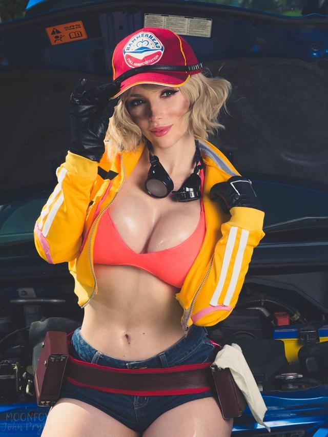 Cô nàng thợ máy của Final Fantasy XV bước ra đời thật siêu quyến rũ với tâm hồn ná thở - Ảnh 9.