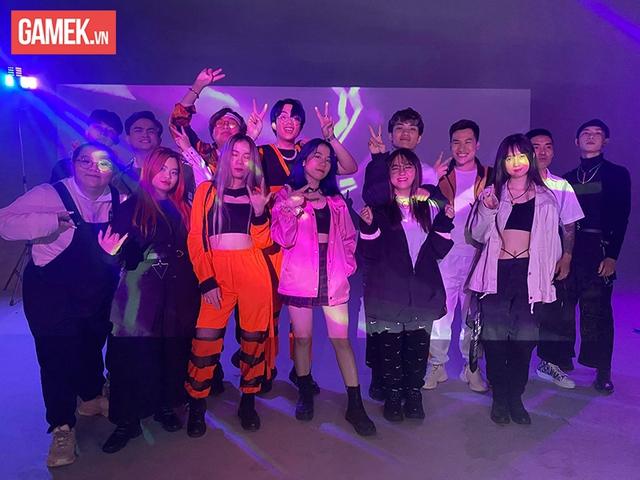 """Tuyên bố kết hợp với Cô Ngân TV trong MV Rap mới, Mèo Simmy cảm ơn khán giả đã """"ném đá"""" mình 003"""