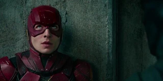 8 chi tiết đã bị thay đổi trong Zack Snyders Justice League so với bản 2017 của Joss Whedon - Ảnh 4.