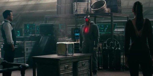 8 chi tiết đã bị thay đổi trong Zack Snyders Justice League so với bản 2017 của Joss Whedon - Ảnh 6.