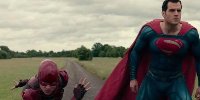 8 chi tiết đã bị thay đổi trong Zack Snyders Justice League so với bản 2017 của Joss Whedon - Ảnh 9.