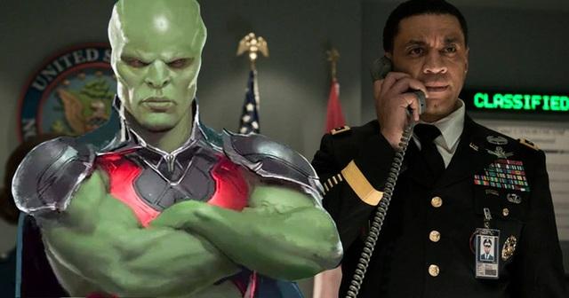 Tại sao Martian Manhunter khoanh tay đứng nhìn Batman và những người bạn chiến đấu suốt 2 phần phim? - Ảnh 4.
