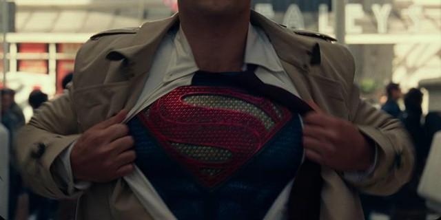 Green Lantern và những chi tiết khiến fan thắc mắc sau khi Zack Snyder's Justice League khép lại - Ảnh 2.