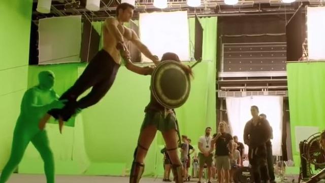 Hậu trường Justice League: Các siêu anh hùng nhà DC sẽ như thế nào khi chưa qua xử lý CGI và kỹ xảo điện ảnh? - Ảnh 13.