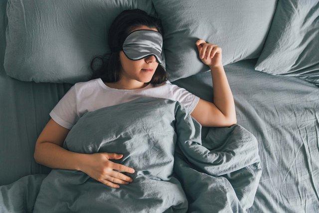 Livestream cảnh đi ngủ trong 5 tiếng, cô gái không làm mà vẫn có ăn kiếm được hơn 70 triệu cực dễ dàng - Ảnh 3.
