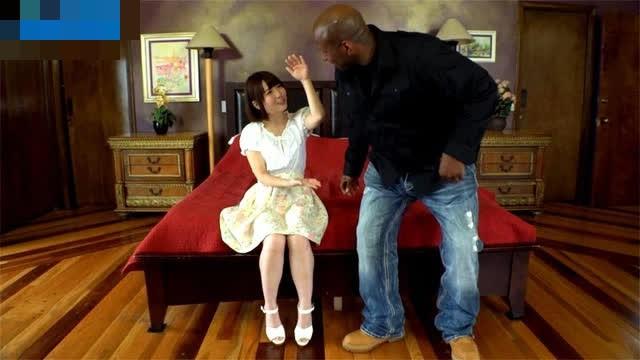 Nhỏ nhắn và xinh xắn, hot girl AV khóc thét khi gặp bạn diễn ngoại cỡ, con số 35cm gây ám ảnh - Ảnh 4.