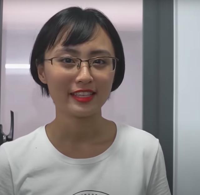 """Ngày ấy - bây giờ: Từ cô gái 17 tuổi ngây thơ làm Esports đến Minh Nghi nữ MC """"quốc dân vạn người mê - Ảnh 5."""