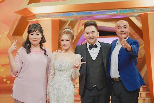 """Bị góp ý vì xưng hô thiếu tôn trọng với MC lớn tuổi trên sóng truyền hình, vợ trẻ streamer giàu nhất Việt Nam """"phản pháo"""" thuyết phục - Ảnh 4."""