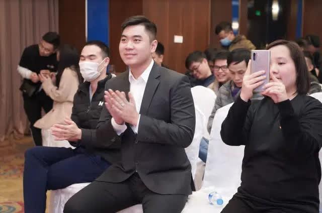 Cộng đồng JX1 Huyền Thoại Võ Lâm bất ngờ khi gặp gỡ CEO Tuấn Anh, vị CEO trẻ tuổi nhưng đầy đam mê xuất hiện trong Big Offline - Ảnh 5.
