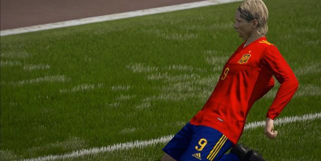 SIÊU HOT: Fernando Torres cơ bắp cuồn cuộn tái xuất FIFA Online 4 để bán hành cho Vidic, Ferdinand - Ảnh 6.