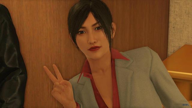 Watching Yakuza boss Kazuma Kiryu very beautiful female version - Photo 2.