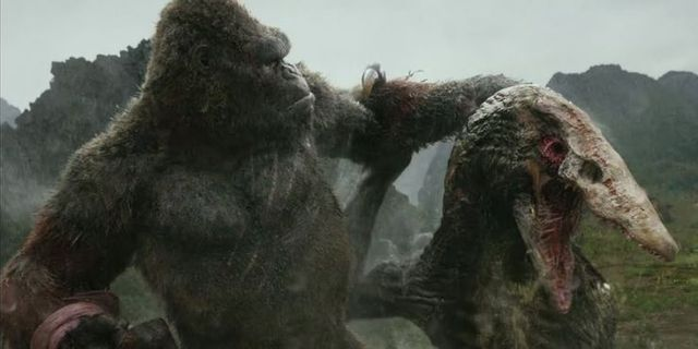 Godzilla Vs. Kong: Những điểm mạnh và yếu chưa từng được tiết lộ Kong-crawler-1617250833536334319458