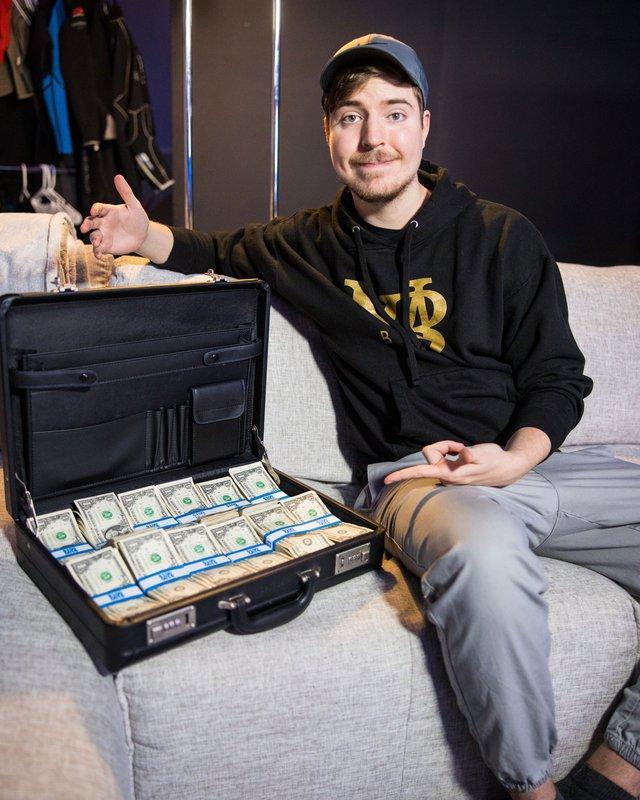 Treo thưởng 23 tỷ cho người tham gia thử thách, nam YouTuber gây sốc với luật chơi đơn giản Giữ tiền lâu nhất là win - Ảnh 5.