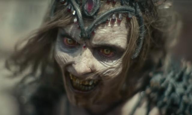 Zack Snyder tung trailer Army of the Dead, zombie Gen Z né đạn như Matrix và múa võ đánh người như John Wick - Ảnh 3.