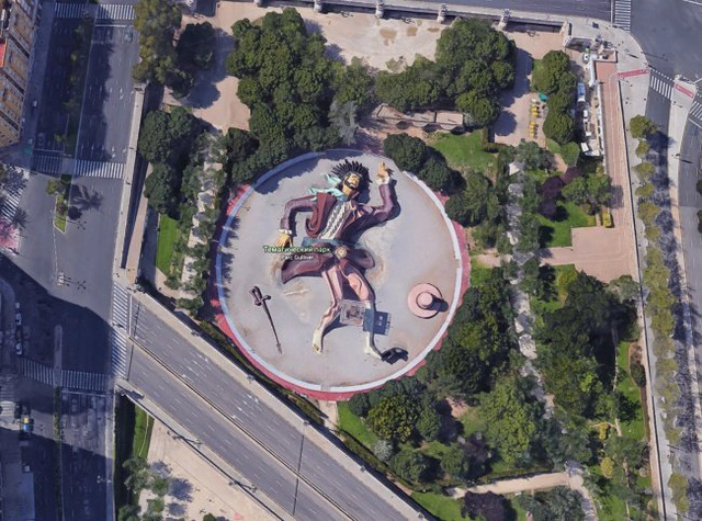 14 hình ảnh lạ lùng tìm thấy trên Google Maps khiến bạn hoang mang 005