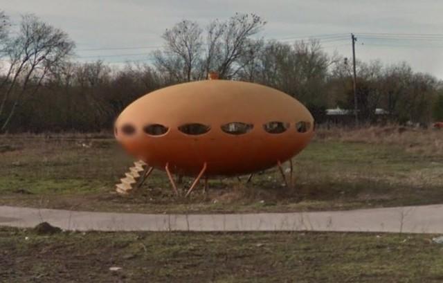 14 hình ảnh lạ lùng tìm thấy trên Google Maps khiến bạn hoang mang 0011