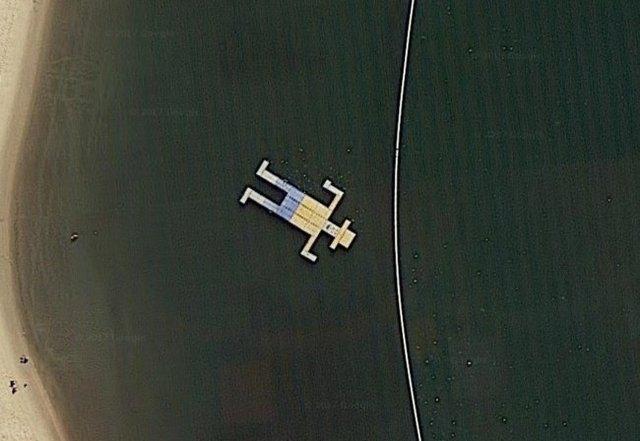 14 hình ảnh lạ lùng tìm thấy trên Google Maps khiến bạn hoang mang 0013