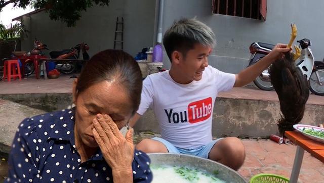 Bị xóa kênh, tắt kiếm tiền, con trai bà Tân Vlog vẫn khoe ảnh mua xế hộp hạng sang, ai bảo làm YouTuber là nghèo nào? - Ảnh 2.