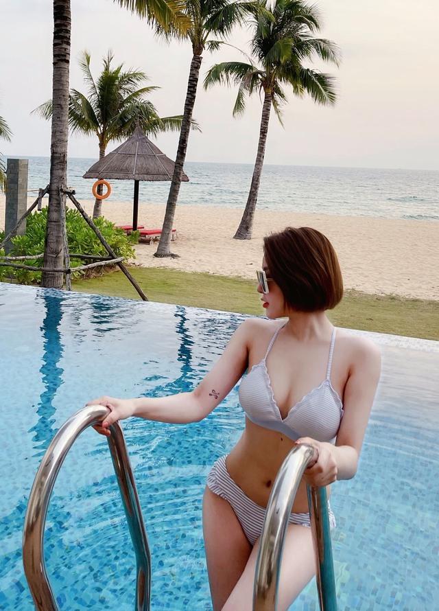 Khoe ảnh nóng bỏng với bikini trên biển, Trâm Anh khiến CĐM phải bỏng mắt, hết lời khen ngợi nhan sắc - Ảnh 4.