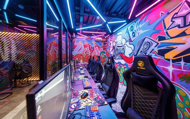 Trầm trồ trước Cyber Game đỉnh nhất VN tại Huế: Màn hình gaming 360Hz, VGA RTX 3080 nhiều như lợn con - Ảnh 9.