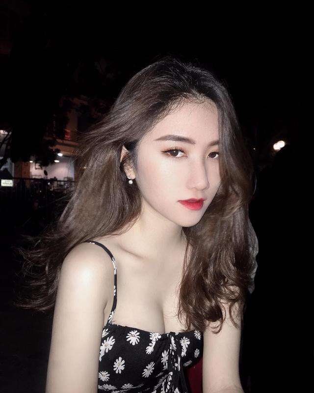 Chiêm ngưỡng nhan sắc rạng ngời của Linh Nắng - Nữ MC giải đấu VALORANT đang khiến cộng đồng ráo riết tìm info - Ảnh 9.