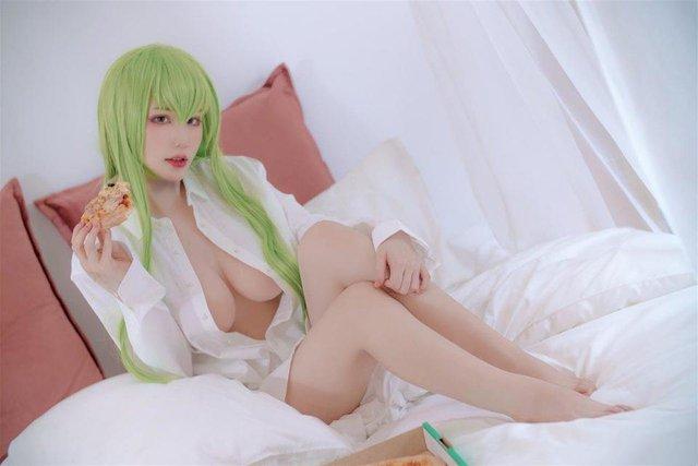 cosplay sexy siêu hot dành cho game Code Geass: Lelouch of the Rebellion  19651dr3rumzomntj4v7jma35-1619073238803160778663