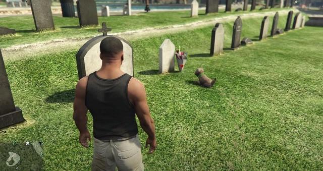 Sau gần thập kỷ ra mắt, chú chó này trong GTA V vẫn luôn đến thăm mộ chủ nhân - Ảnh 1.