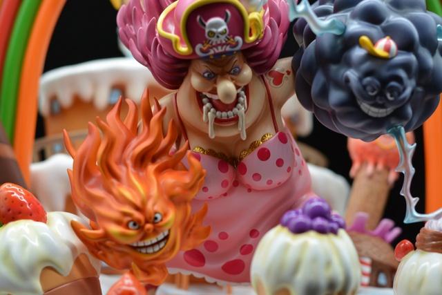 One Piece: Cảm động trước việc đứng ra bảo vệ trẻ em của Nami, Big Mom có thể tặng Zeus cho hoa tiêu băng Mũ Rơm? - Ảnh 1.