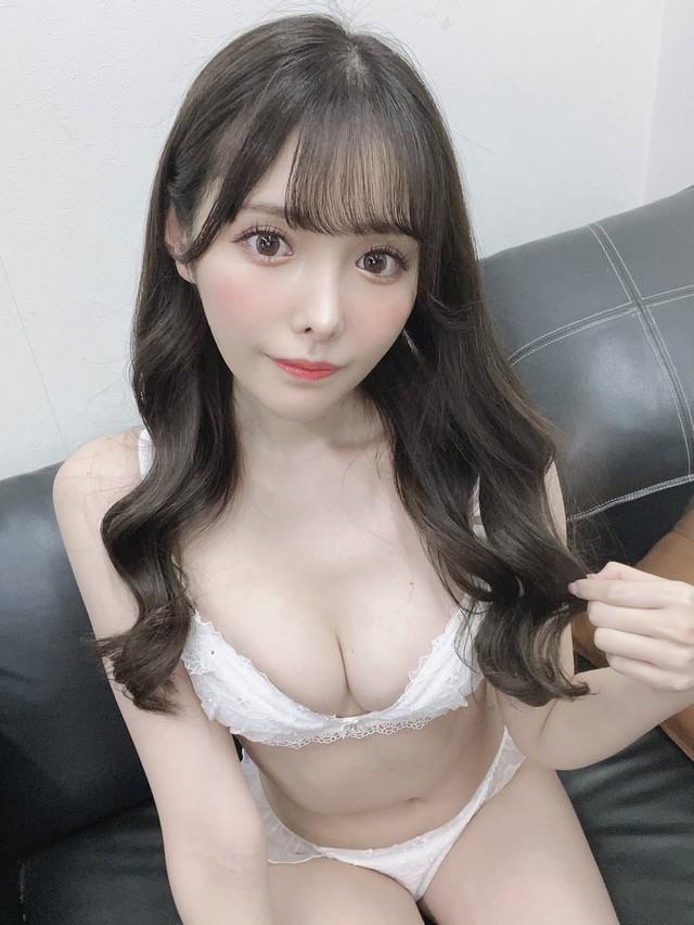 Úp mở về việc đang ra mắt sản phẩm mới, hot girl phim 18+ tăng follow chóng mặt, ước mơ đuổi kịp Yua Mikami trong tương lai - Ảnh 2.
