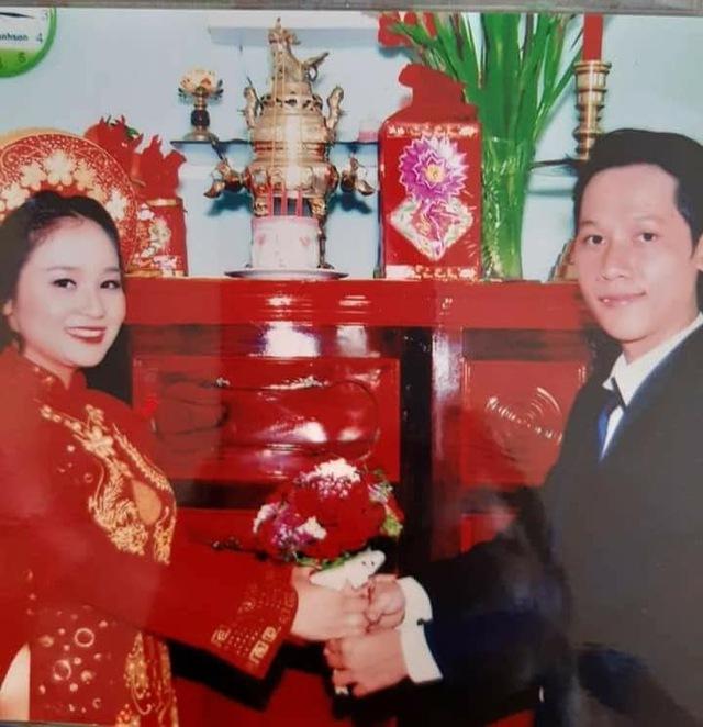 Loạt ảnh cưới của Thầy Giáo Ba bất ngờ được lan truyền, CĐM ngỡ ngàng với nhan sắc thời con gái của cô Panda 002