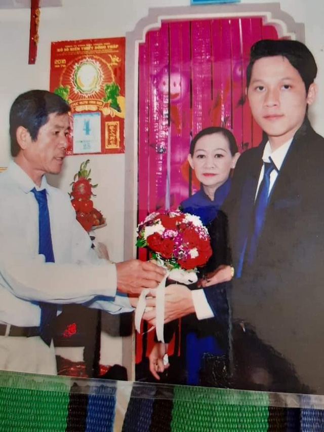Loạt ảnh cưới của Thầy Giáo Ba bất ngờ được lan truyền, CĐM ngỡ ngàng với nhan sắc thời con gái của cô Panda 003