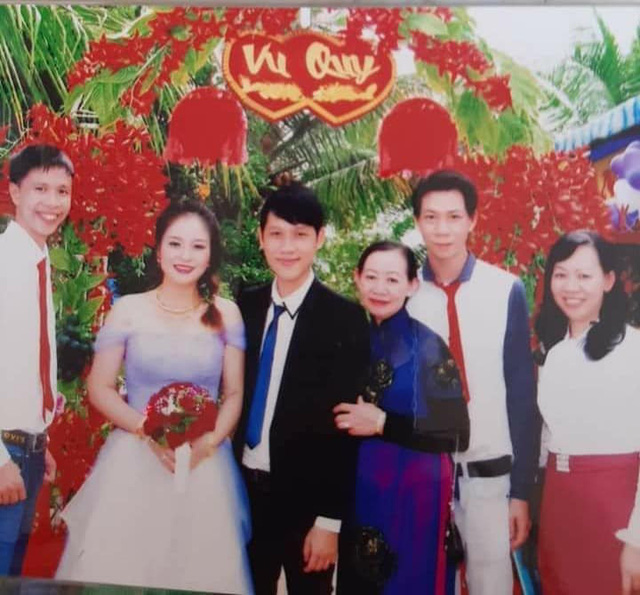 Loạt ảnh cưới của Thầy Giáo Ba bất ngờ được lan truyền, CĐM ngỡ ngàng với nhan sắc thời con gái của cô Panda 006
