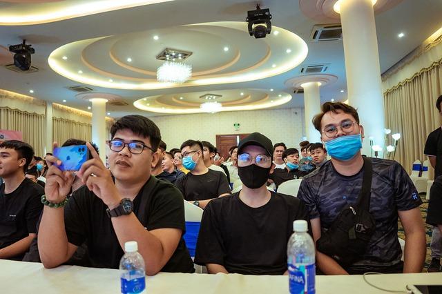 """Game thủ """"quẩy"""" hết mình trong Offline Tân Minh Chủ 2 miền Nam - Bắc: Game vừa hay vừa đông, xin ủng hộ dài dài - Ảnh 14."""