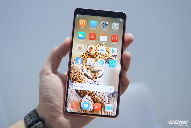 CEO BKAV Nguyễn Tử Quảng: Icon của Bphone đẹp hơn Vsmart, giải quyết được nỗi băn khoăn của giới thiết kế trên toàn thế giới - Ảnh 4.