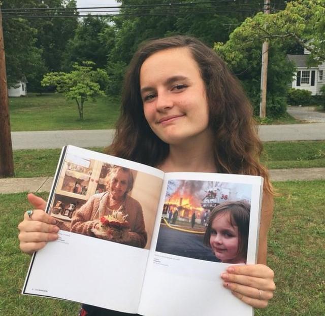 Cô gái kiếm được nửa triệu đô từ bức ảnh meme D83-161987376355250174288