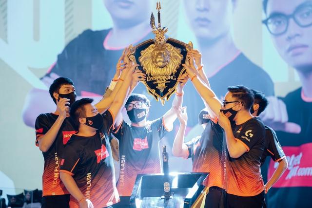 Gần một ngày sau chiến thắng đẹp như mơ, tuyển thủ Team Flash khẳng định: Sự chỉ trích tạo nên sức mạnh! - Ảnh 1.