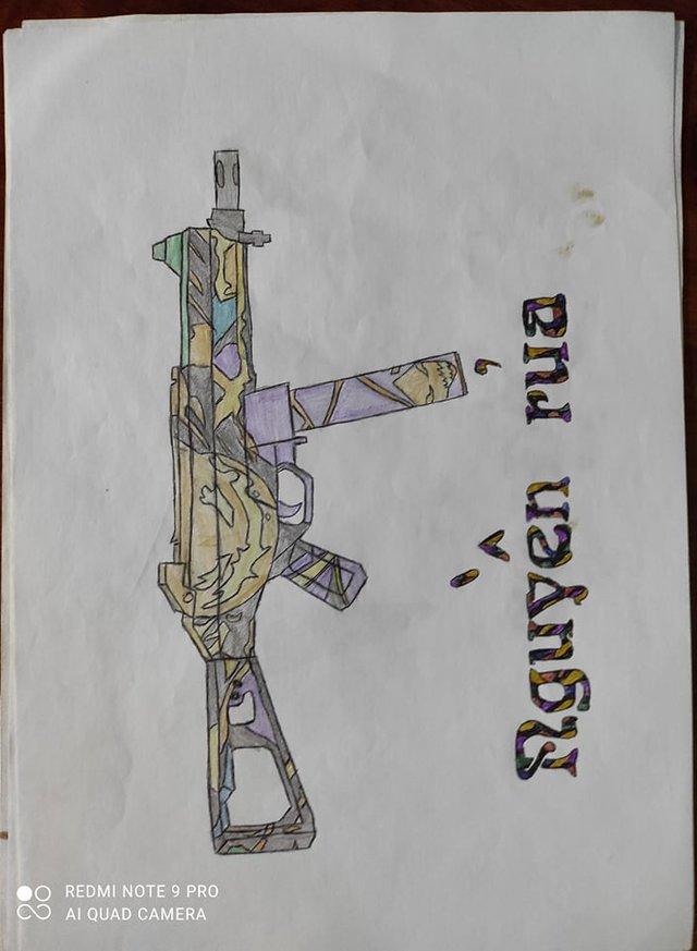 CĐM choáng khi nữ game thủ vẽ vũ khí ra vở cho dễ nhớ, nhìn không thể đoán được súng gì và game nào - Ảnh 3.