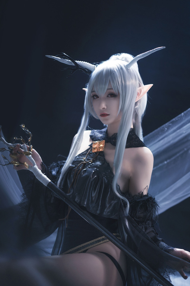 Nàng Shining trong Arknights xinh đẹp và gợi cảm như này bảo sao được lòng game thủ đến thế! - Ảnh 9.