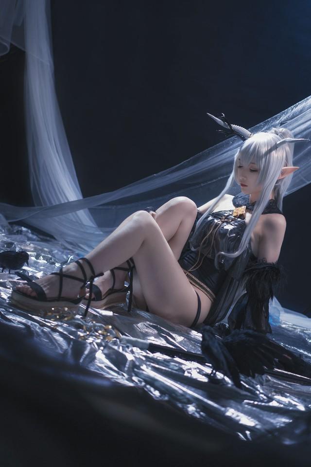 Nàng Shining trong Arknights xinh đẹp và gợi cảm như này bảo sao được lòng game thủ đến thế! - Ảnh 10.