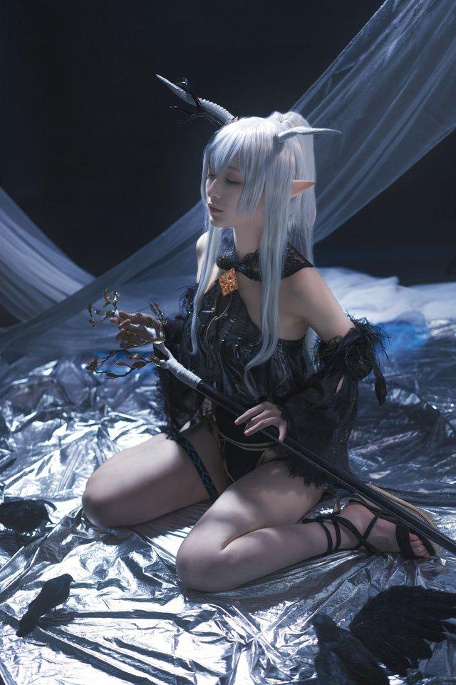 Nàng Shining trong Arknights xinh đẹp và gợi cảm như này bảo sao được lòng game thủ đến thế! - Ảnh 12.