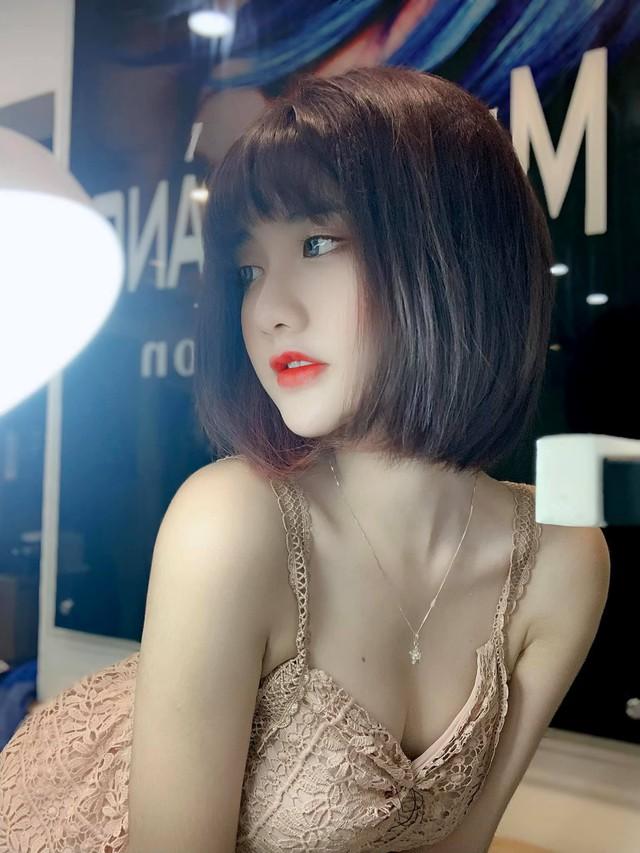 Thời nào còn là tài xế Grab đáng yêu, nàng hot girl Việt bỗng chốc thay đổi chóng mặt, lột xác siêu gợi cảm và nóng bỏng - Ảnh 6.