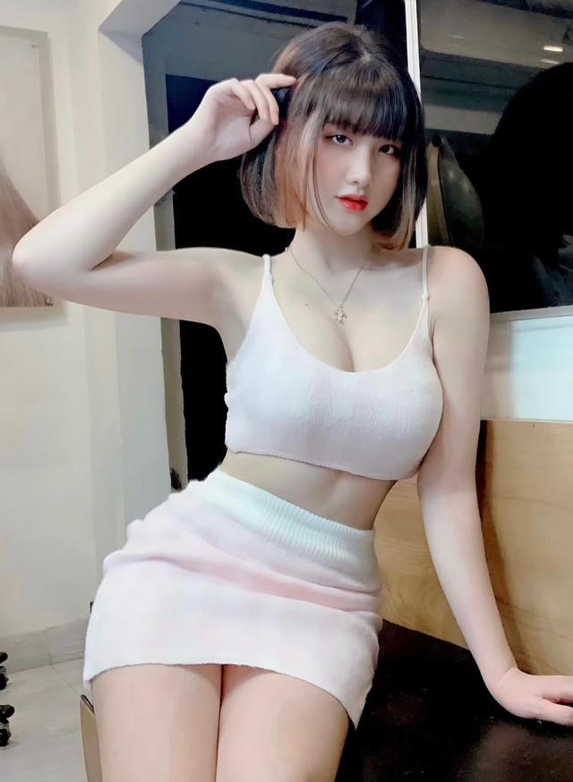 Thời nào còn là tài xế Grab đáng yêu, nàng hot girl Việt bỗng chốc thay đổi chóng mặt, lột xác siêu gợi cảm và nóng bỏng - Ảnh 9.