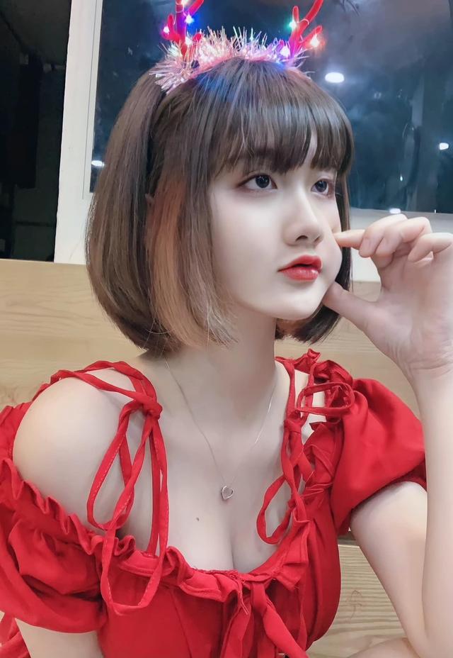 Thời nào còn là tài xế Grab đáng yêu, nàng hot girl Việt bỗng chốc thay đổi chóng mặt, lột xác siêu gợi cảm và nóng bỏng - Ảnh 11.