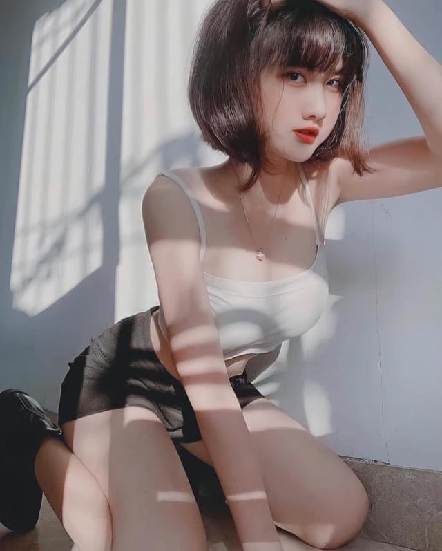 Thời nào còn là tài xế Grab đáng yêu, nàng hot girl Việt bỗng chốc thay đổi chóng mặt, lột xác siêu gợi cảm và nóng bỏng - Ảnh 12.