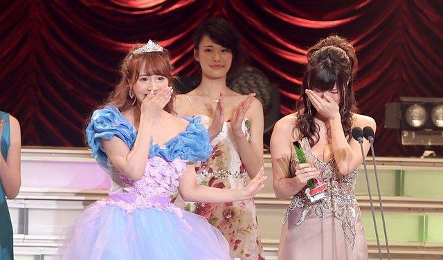 Bảng xếp hạng các hot girl phim 18+ của năm 2021: Yua Mikami mất vị trí số một vào tay cái tên khó ngờ - Ảnh 3.